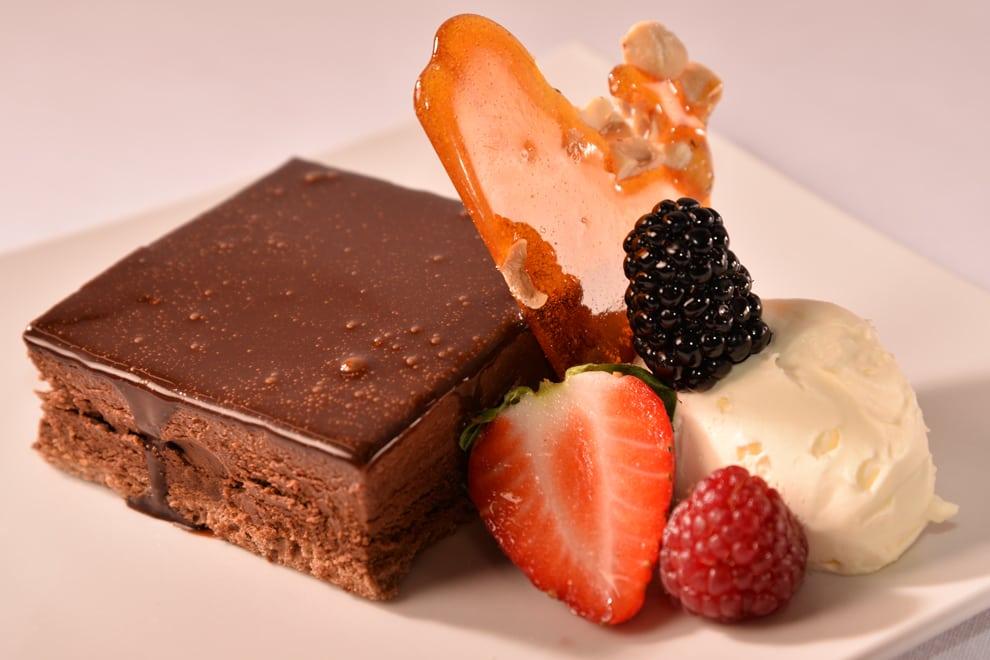 visit us foyer cake